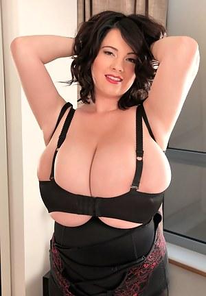 Big Boobs Bizarre Porn Pictures